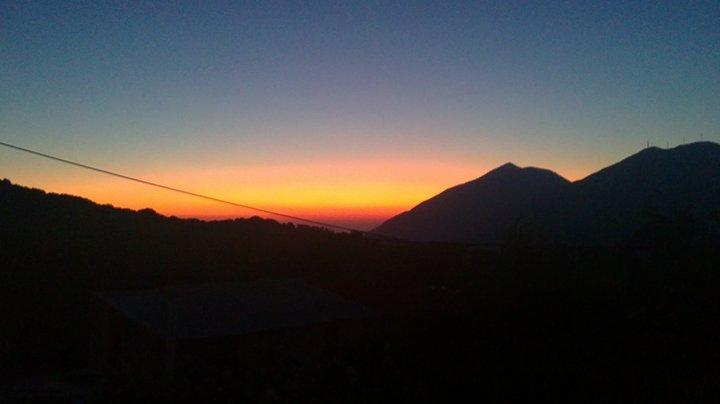 Αΐμονας ηλιοβασίλεμα