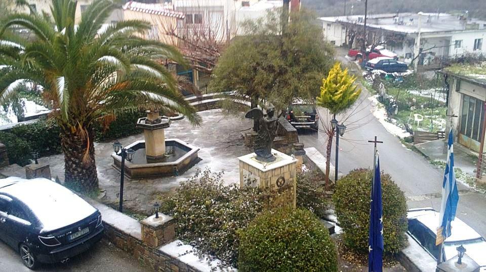 Αΐμονας πλατεία χιόνια